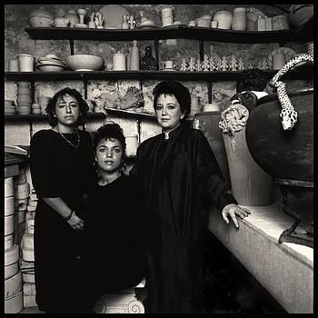 Le ceramiste / foto di Augusto De Luca. 38 by Augusto  De Luca