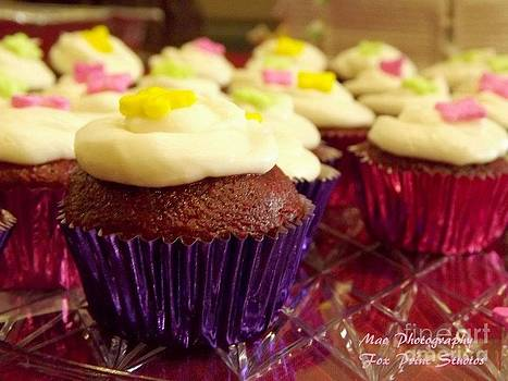 Le Cupcake by Maideline  Sanchez