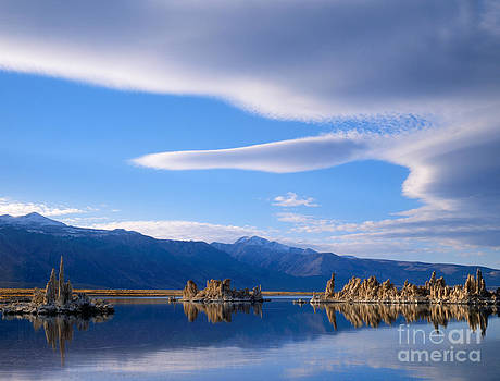 Dennis Flaherty - Lenticular Cloud over Mono Lake