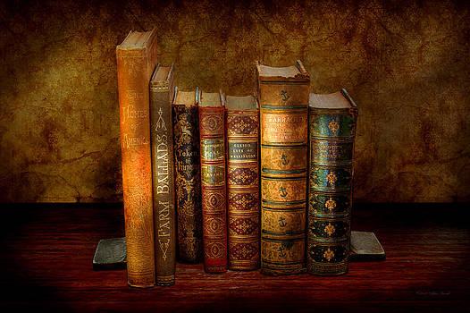 Mike Savad - Librarian - Writer - Antiquarian books