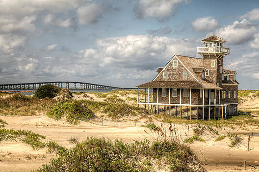 Lifesaving Station - Oregon Inlet by Dave Ross