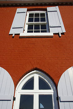 Marilyn Wilson - Lighthouse Windows
