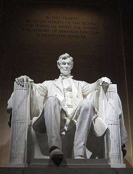 Lincoln Memorial by Laurie Poetschke