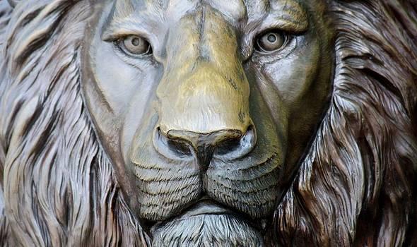 Paulette Thomas - Lion