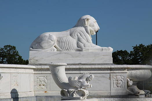 Jim Vansant - Lion Statue I Belle Isle Fountain