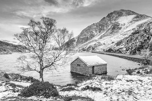 Llyn Ogwen - A Winter's Day Monochrome by Christine Smart