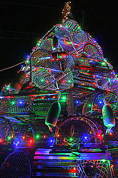 Lobster Trap Christmas Tree by Suzanne DeGeorge