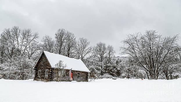 Edward Fielding - Log cabin in the snow