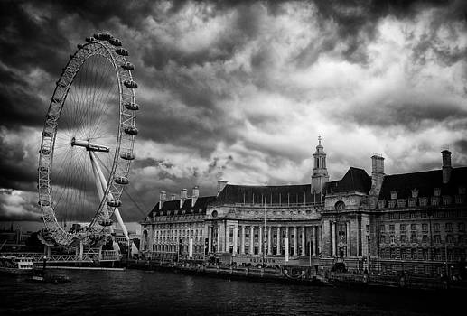 London Eye by Peter Aitchison
