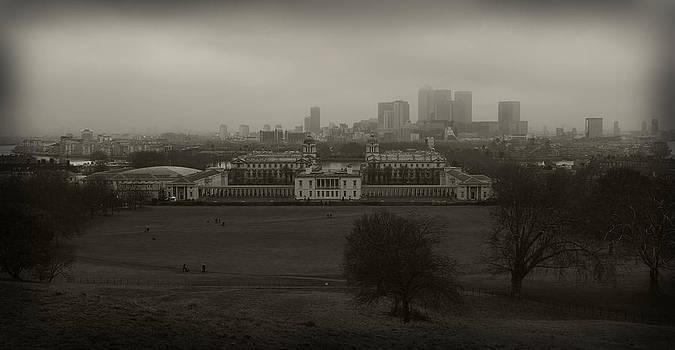 London From Greenwich by Maj Seda