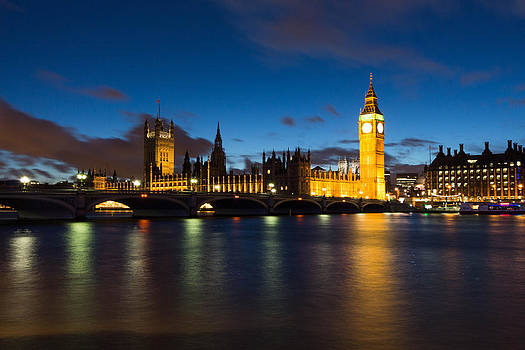 London in Blue Hours by Musa GULEC