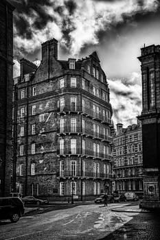 London street by Dobromir Dobrinov