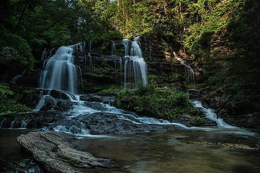 Long Creek Falls by Johnny Crisp