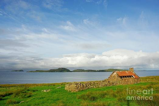 Looking to the Summer Isles by John Kelly