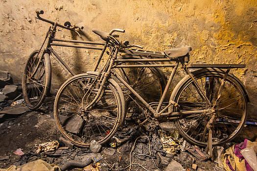 Lost bikes of Mumbai by Stewart Granger