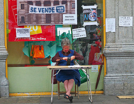Loto seller by Gaitero