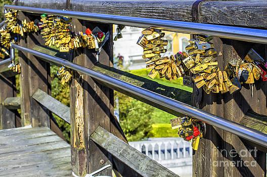 Patricia Hofmeester - Love locked on bridge in Venice