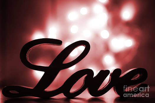 Simon Bratt Photography LRPS - Love sign with red sparkle