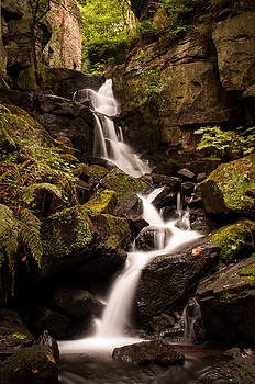 Lumsdale Waterfall. by Darren Marshall