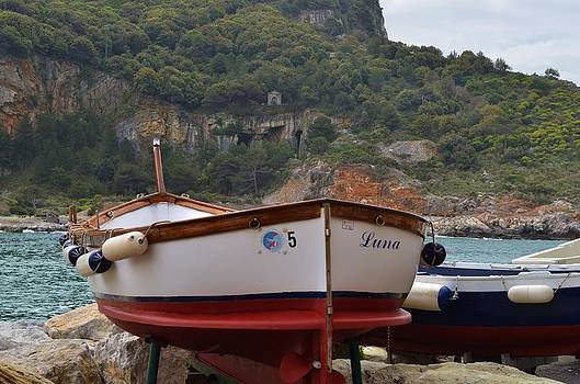 Luna boat by Dany Lison