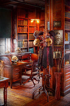Mike Savad - Macabre - In the Headhunters study