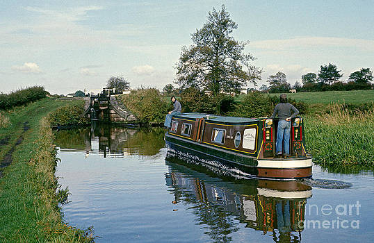 Macclesfield Canal 1975 by David Davies
