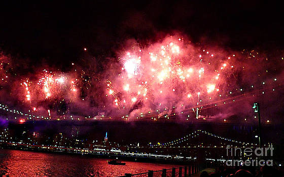 Macy's Spectactual 2014 Fireworks by Kendall Eutemey