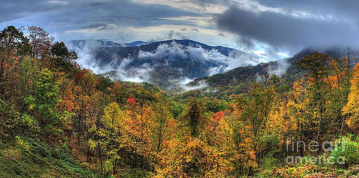Dan Carmichael - Magnificent Autumn - a Panorama I