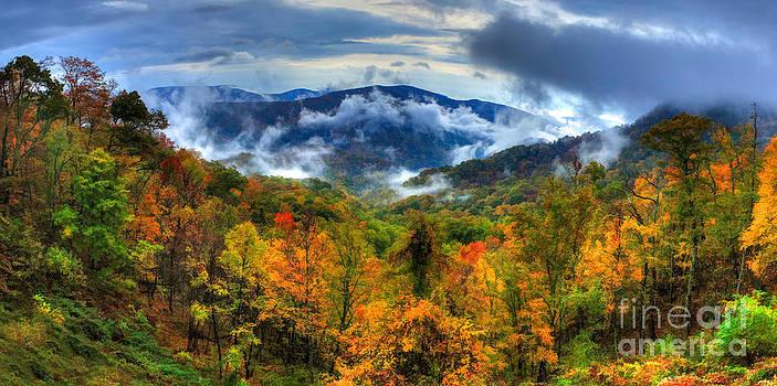 Dan Carmichael - Magnificent Autumn - a Panorama II