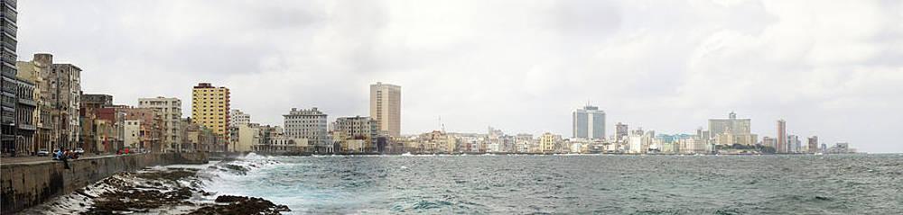 Malecon de la habana./Havana Malecon. by Juan Carlos Sepulveda