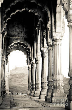 Marble pillars by Isabel Poulin