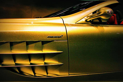 McLaren by Slawek Sepko