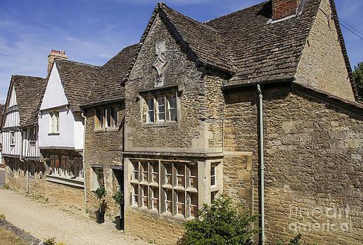 Patricia Hofmeester - Medieval houses in Lacock village