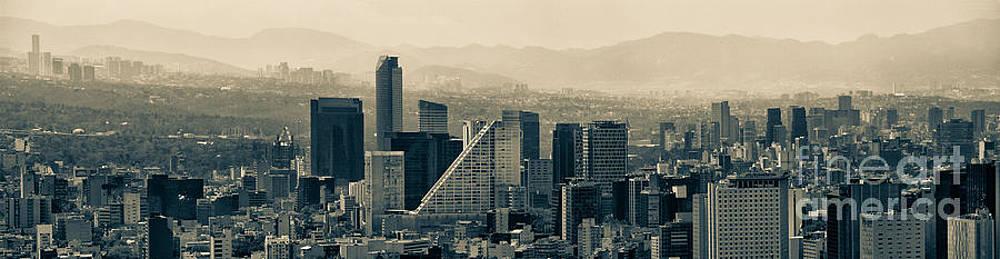Mexico City by Alejandro Tejada