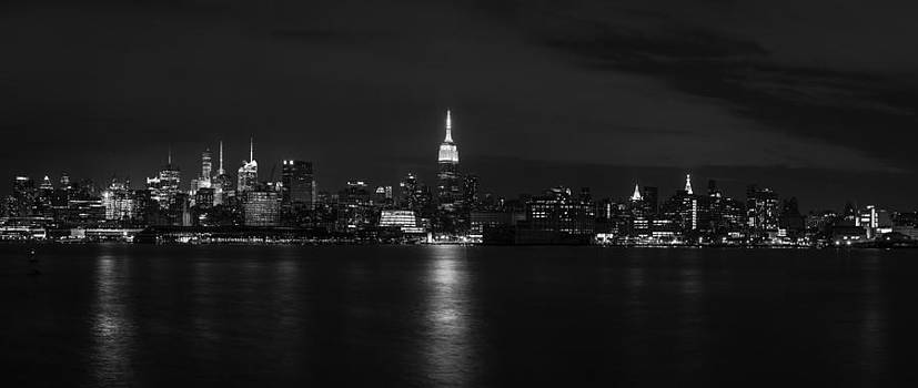 Midtown Manhattan Skyline by David Morefield