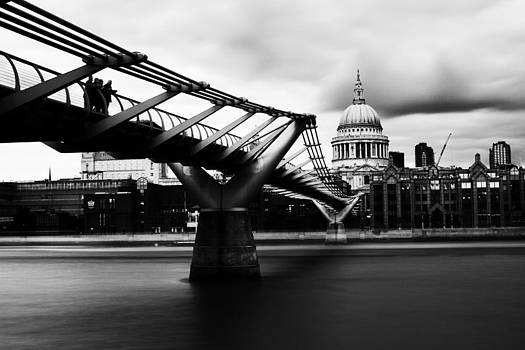 Millennium Bridge by Urban Shooters