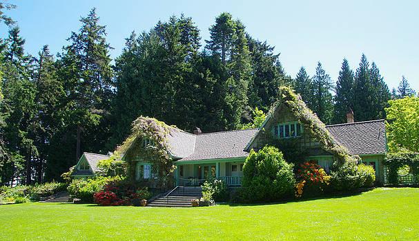 Marilyn Wilson - Milner Gardens House