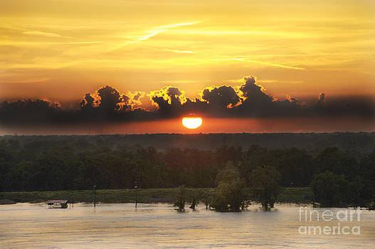 Mississippi Sunset by Leon Hollins III