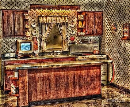 Moms Kitchen by Arnie Goldstein