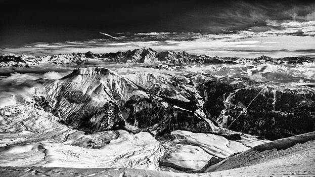 Mont-blank mountain winter landscape by Valerii Tkachenko