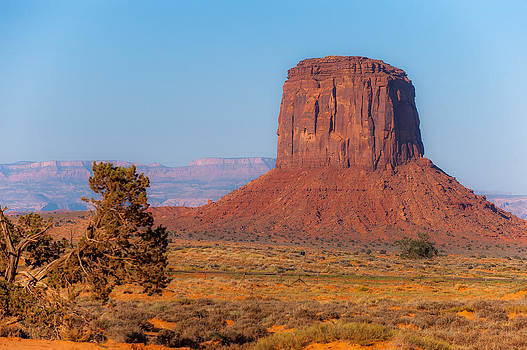 Monument Valley 3 by Randy Giesbrecht