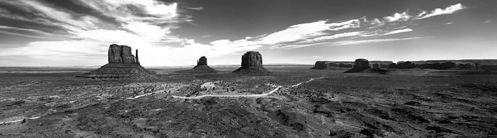 Monument Valley by Luca Diana