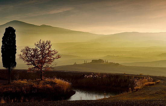 Mood in Val d'Orcia by Helmut Plamper