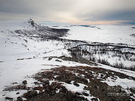 Morning Light Over Nordbukampen  by David Hanlon