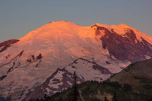 Mount Rainier Sunrise by Bob Noble Photography