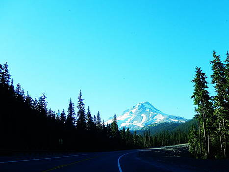 Mt. Hood road by Rosvin Des Bouillons