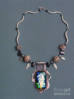 Necklace by Valentina Plishchina