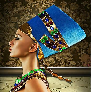 Nefertiti by Karen Showell