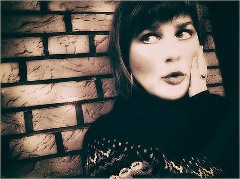 Nicole Frischlich - Never - Self-Portrait