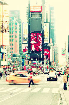 Karol Livote - New York City Moves